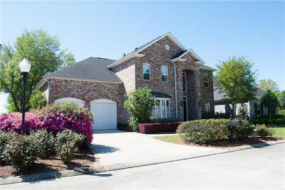 New Orleans Single Family Home For Sale: 47 Fairway Oaks Drive