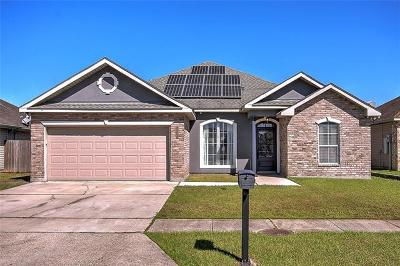 Marrero Single Family Home Pending Continue to Show: 2620 Sand Bar Lane