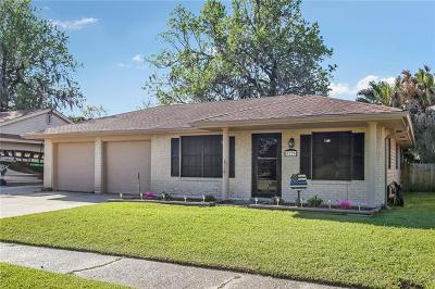 Marrero Single Family Home Pending Continue to Show: 5129 Woodcrest Drive