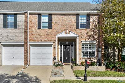 Jefferson Townhouse Pending Continue to Show: 742 Pecan Grove Road