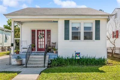 Jefferson Single Family Home Pending Continue to Show: 19 Santa Ana Avenue