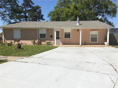 Gretna Single Family Home For Sale: 740 Willowbrook Drive