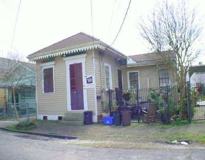 New Orleans Single Family Home For Sale: 2352 Marais Street