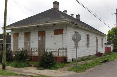 New Orleans Single Family Home For Sale: 5302 Dauphine Street
