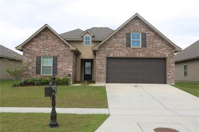 Marrero Single Family Home Pending Continue to Show: 2637 Watergate Way