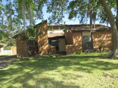 Destrehan, St. Rose Single Family Home Pending Continue to Show: 68 Dunleith Drive