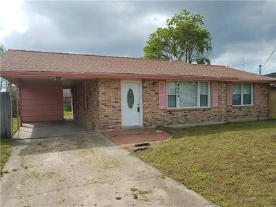Single Family Home Pending Continue to Show: 4964 Corinne Street