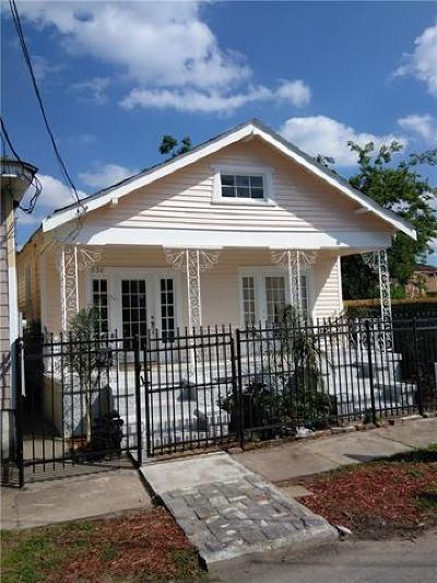Single Family Home For Sale: 536 S Rocheblave Street
