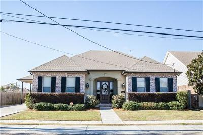 Metairie Single Family Home Pending Continue to Show: 1416 Pier Avenue