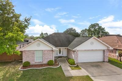 Destrehan Single Family Home Pending Continue to Show: 98 River Point Drive