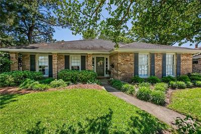Kenner Single Family Home For Sale: 605 Petit Berdot Drive