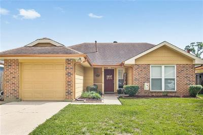 Marrero Single Family Home Pending Continue to Show: 2837 Laurie Lane
