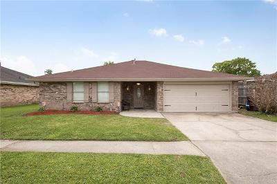 Kenner Single Family Home For Sale: 3325 E Catahoula Court