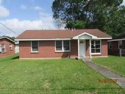 Kenner Single Family Home For Sale: 2208 Kansas Avenue
