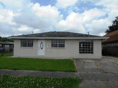Harvey Single Family Home For Sale: 1849 Dogwood Drive
