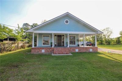Destrehan, St. Rose Single Family Home Pending Continue to Show: 243 Eisenhower Street
