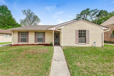 Single Family Home For Sale: 5868 Macarthur Boulevard