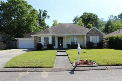Westwego Single Family Home Pending Continue to Show: 1312 Tree Haven Drive
