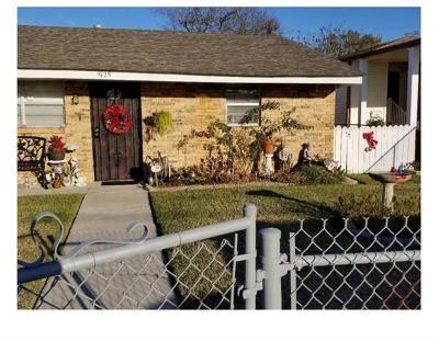 Harvey Single Family Home For Sale: 1925 Estalote Avenue