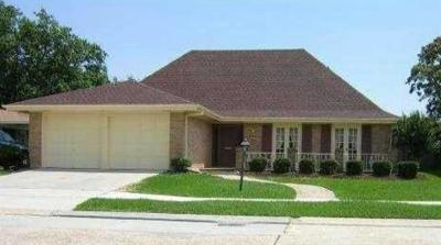 Kenner Single Family Home For Sale: 38 Driftwood Boulevard