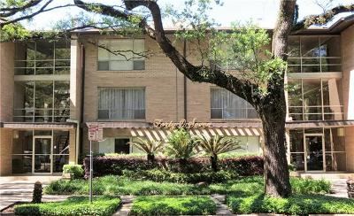 New Orleans Condo For Sale: 4007 St Charles Avenue #115