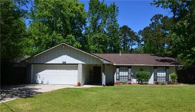 Mandeville Single Family Home Pending Continue to Show: 216 Elmwood Street