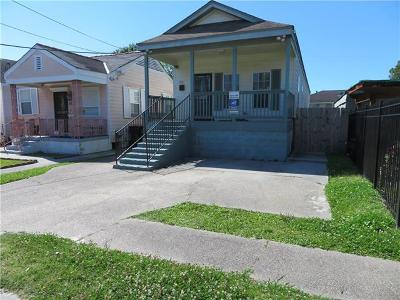 Single Family Home For Sale: 3830 Joliet Street