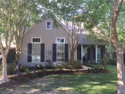 Mandeville Single Family Home Pending Continue to Show: 136 Frenchmen Drive