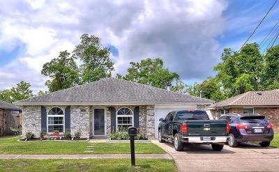 Destrehan, St. Rose Single Family Home Pending Continue to Show: 126 Riverview Drive