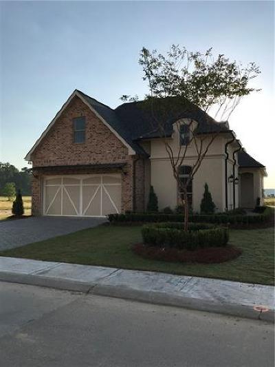 Covington Single Family Home For Sale: 970 S. Corniche Dulac Drive