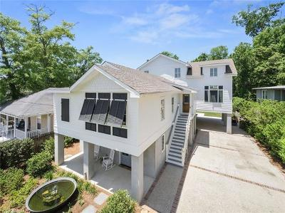 Mandeville Single Family Home For Sale: 220 Lamarque Street