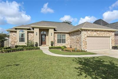 Destrehan, St. Rose Single Family Home Pending Continue to Show: 114 Panther Run Drive