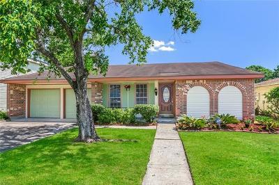 Harvey Single Family Home For Sale: 3825 Mercer Lane