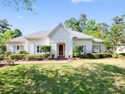 Single Family Home For Sale: 121 Acadian Lane