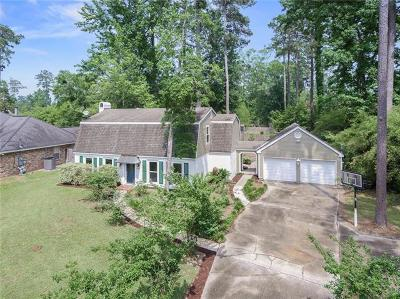 Single Family Home Pending Continue to Show: 207 Scotchpine Drive