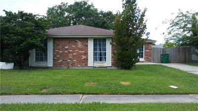 Gretna Single Family Home For Sale: 620 Willowbrook Drive