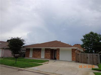 Kenner Single Family Home Pending Continue to Show: 74 Brittany Drive
