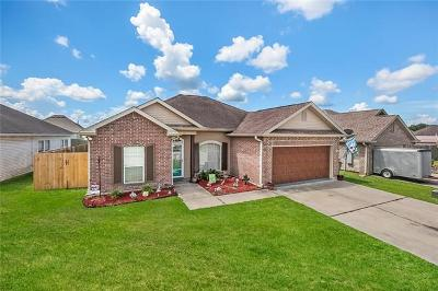 Marrero Single Family Home Pending Continue to Show: 2649 Sand Bar Loop