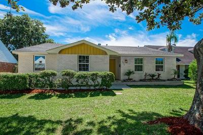 Single Family Home Pending Continue to Show: 2810 Cupid Street