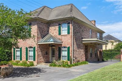 New Orleans Single Family Home For Sale: 1 Rue Le Ville Boulevard