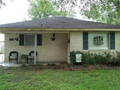 Westwego Single Family Home Pending Continue to Show: 353 Oak Avenue