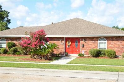 Kenner Single Family Home Pending Continue to Show: 32 Driftwood Boulevard
