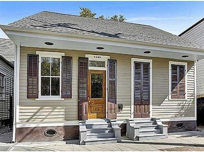 New Orleans Single Family Home For Sale: 2469 Dauphine Street