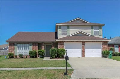 Marrero Single Family Home Pending Continue to Show: 4916 Wood Forest Drive