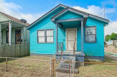 Single Family Home For Sale: 8638 Plum Street