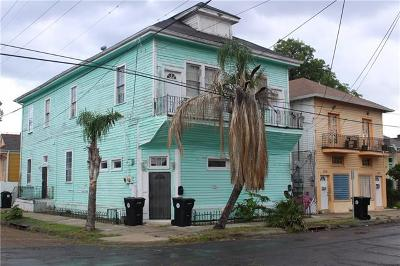 Multi Family Home For Sale: 904 N Rendon Street