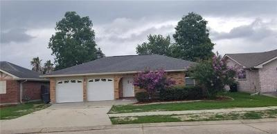 Kenner Single Family Home Pending Continue to Show: 4 Dauterive Court