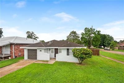 Kenner Single Family Home For Sale: 94 John Hopkins Drive