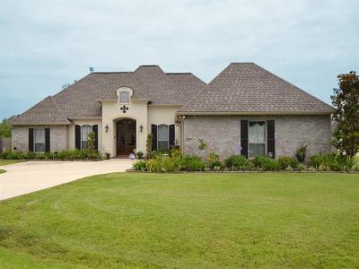 Madisonville Single Family Home For Sale: 700 Foliage Court