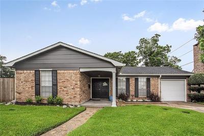 Gretna Single Family Home For Sale: 804 Honeysuckle Street